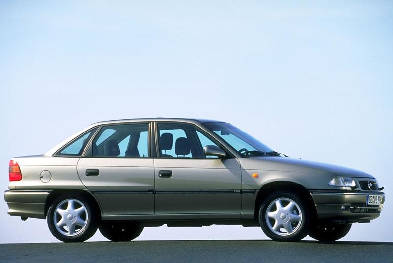 Astra F sedan
