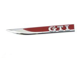 5G0853688LJZQ Golf 7 GTI logo voorscherm links rood chroom