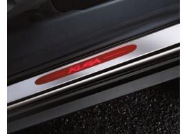 ford-kuga-2008-10-2012-instaplijsten-voor-met-roodverlicht-kuga-logo-1600352