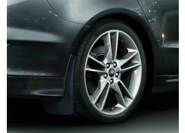 Ford-Mondeo-09-2014-wagon-spatlappen-achter-gecontourd-1806717