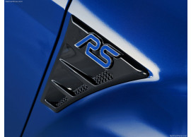 Ford-Focus-RS-04-2009-07-2010-zijschermemblemen-1675121