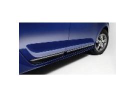 Dacia Logan 2013 - .. zijdeuren bescherming 8201401421